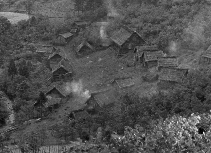 village_seven-samurai_1954