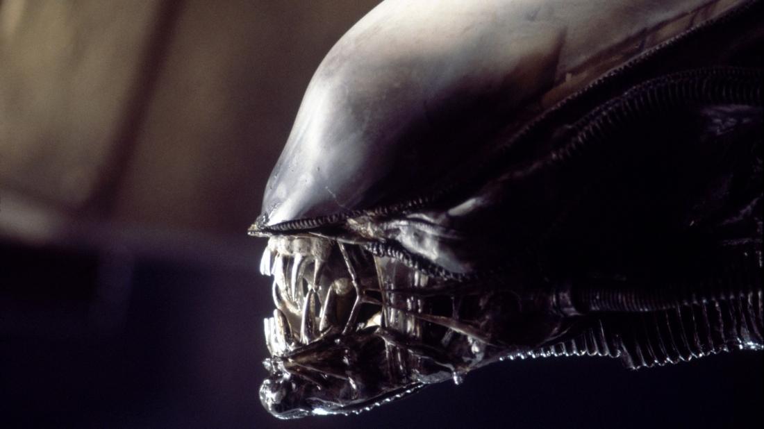 080-alien-theredlist